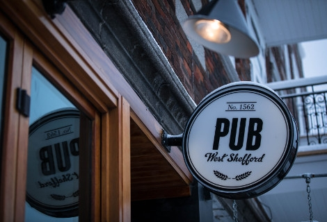 Pub West Shefford Inc / Vinyle Chope