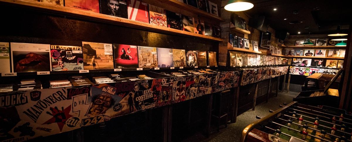 Pub West Shefford Inc / Vinyle Chope
