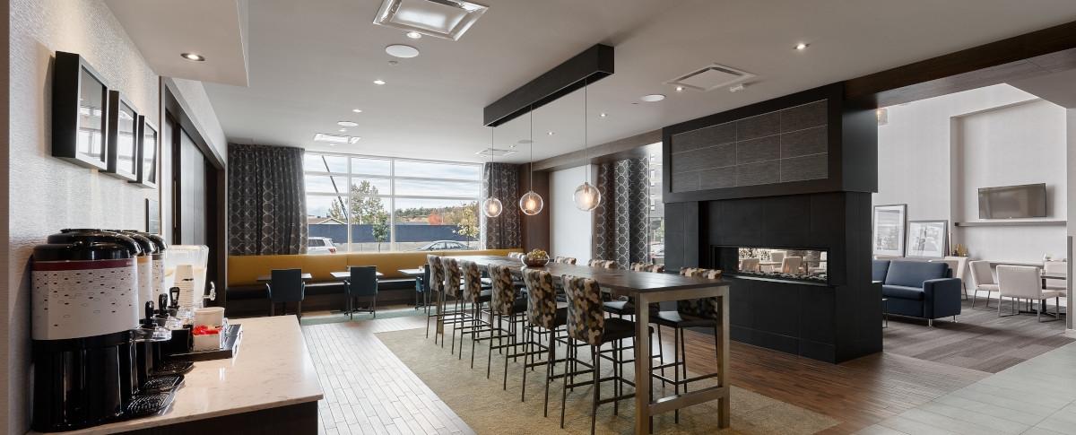 Hampton Inn & Suites by Hilton Québec / St-Romuald